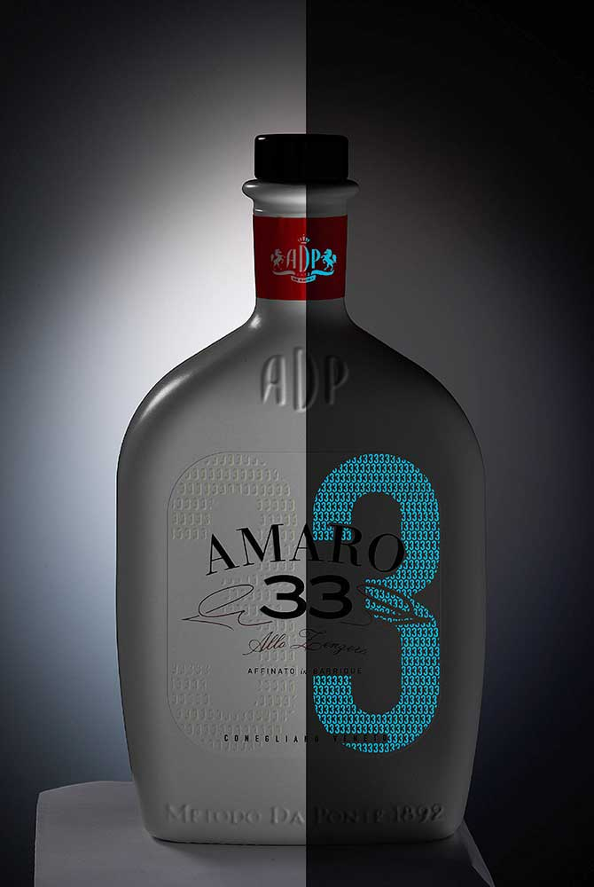 Eticheta pentru Amaro 33  realizată de YG Design