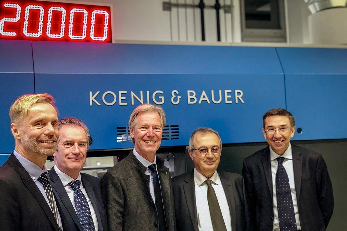 De la stânga la dreapta: Christopher Kessler, consilier juridic la KBA, Patrick Masson, CEO KBA Iberica, Ralf Sammeck, CEO KBA Sheetfed, Oktay Duran, președinte Duran Machinery, Apo Kucukaras, Duran Machinery