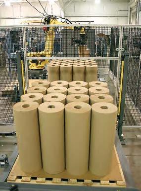 Robotul produs de Fanuc pentru manevrarea rolelor de hârtie