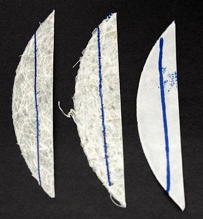 Fibrele de sparanghel, vizibile în compoziția hârtiei (Imagine © Johanna Weber)